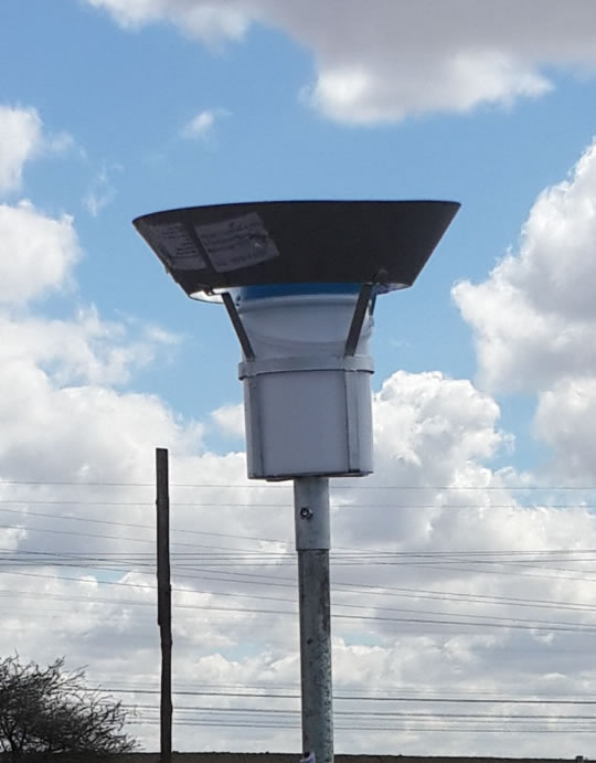 Type D - Dustwatch unit with white bucket and blue extension