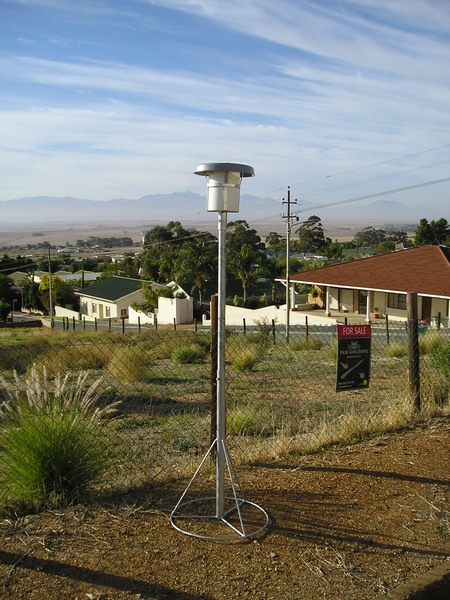 Single Bucket Dust Monitoring Equipment.  Adjustable height for easy changing.